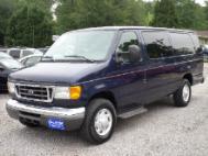 2004 Ford E-Series Wagon XLT