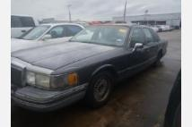 1991 Lincoln Town Car Signature