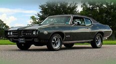 1969 Pontiac GTO power steering, front power disc brakes, factory air condition