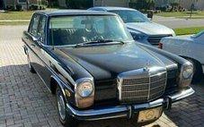 1973 Mercedes-Benz 1973 MERCEDES-BENZ 220