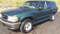 1995 Ford Explorer XL 4-Door 4WD