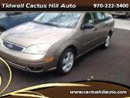 2005 Ford Focus 4dr Sdn SES
