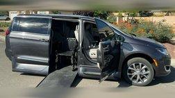 2019 Chrysler Pacifica Touring-L Wheelchair Handicap Mobility Van