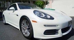2016 Porsche Panamera 4