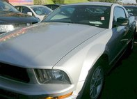 2005 Ford Mustang Deluxe Coupe 2D