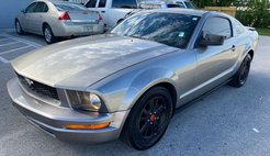 2008 Ford Mustang Deluxe Coupe 2D