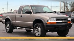 2000 Chevrolet S-10 LS Wide Stance