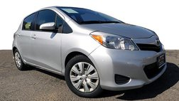 2013 Toyota Yaris LE Hatchback 4D