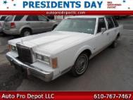 1989 Lincoln Town Car Base