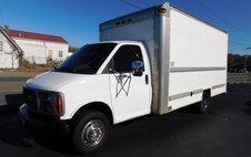 2001 GMC Savana DRW Box Van