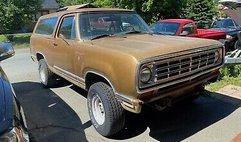 1975 Dodge Ramcharger SE