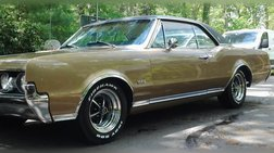 1967 Oldsmobile Cutlass Supreme Holiday 2 Door Coupe