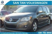2010 Volkswagen Routan SEL Premium
