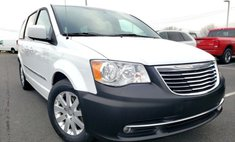 2014 Chrysler Town and Country Touring