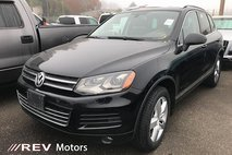 2012 Volkswagen Touareg Luxury