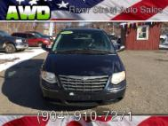 2005 Chrysler Town and Country Supercab 133' FX4 4WD