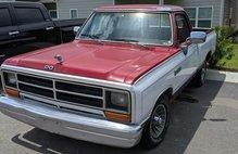 1989 Dodge RAM 150 Base